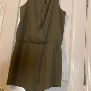 Pants - Cute and comfy green romper with opening in back